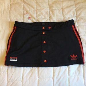 Adidas popper buttom skirt